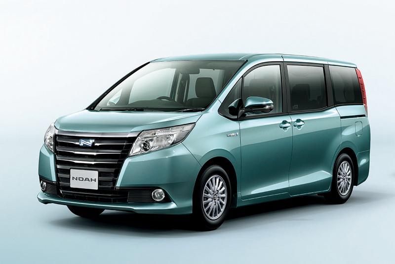 Toyota เตรียมเปิดตัวรถตู้สองรุ่นใหม่ทั้ง Voxy และ Noah ใน