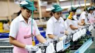 HONDA ฉลองผลิตเครื่องยนต์อเนกประสงค์ครบ 25 ล้านเครื่องในประเทศไทย พร้อมเดินหน้าส่งออกเครื่องพ่นยาแบบสะพายหลังสู่ตลาดโลก กรุงเทพฯ วันที่ 25 สิงหาคม 2557 — บริษัท เอเชี่ยนฮอนด้า มอเตอร์ จำกัด สำนักงานใหญ่ของฮอนด้าประจำภูมิภาคเอเชียและโอเชียเนีย เปิดเผยถึงความสำเร็จของ บริษัท ไทยฮอนด้า แมนูแฟคเจอริ่ง จำกัด หนึ่งในฐานการผลิตรถจักรยานยนต์และเครื่องยนต์อเนกประสงค์ที่สำคัญของภูมิภาค โดยในวันนี้ บริษัท ไทยฮอนด้า มียอดการผลิตเครื่องยนต์อเนกประสงค์ครบ 25 ล้านเครื่อง พร้อมกันนี้ฮอนด้ายังเตรียมส่งออกเครื่องพ่นยาแบบสะพายหลังรุ่นใหม่ ซึ่งเป็นผลิตภัณฑ์รุ่นล่าสุดที่ได้รับการพัฒนาโดยหน่วยงานวิจัยและพัฒนาเครื่องยนต์อเนกประสงค์ซึ่งตั้งอยู่ในประเทศไทย...