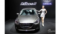 ใหม่ ALL NEW MAZDA 2 SEDAN-SPORTS 2014-2015 ราคา มาสด้า 2 ซีดาน-สปอร์ต ตารางราคา-ผ่อน-ดาวน์ All New Mazda 2 ดีเซล ใหม่ มาสด้า 2 สกายแอคทีฟ ใหม่ มาพร้อมมาตรฐานใหม่ ให้กับวงการรถซับคอมแพ็คเมืองไทย เป็นโมเดลที่สามของยนตรกรรมสกายแอคทีฟ ที่มาสด้าแนะนำสู่ตลาด ยังคงครบถ้วนด้วยคุณสมบัติล้ำสมัย แนวทางออกแบบดีไซน์โคโดะ ที่ถ่ายทอดความงามของพลังผ่านรูปทรงและเส้นสายบนรถได้อย่างดึงดูดใจ เส้นสายพลิ้วไหวและเฉียบจากกระจังหน้า...