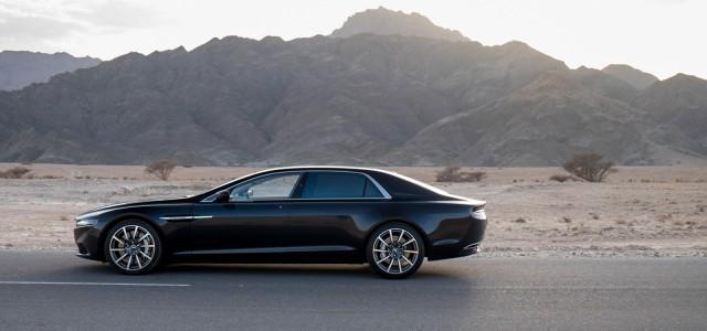 "Aston Martin เปิดตัวการทดสอบ Lagonda Sedan ท่ามกลางอากาศร้อนจัดในโอมาน Aston Martin ค่ายรถหรูจากทางสหราชอาณาจักรนั้นล่าสุดได้กลับหันมาทำรถแบบ "" Lagonda saloon"" อีกครั้งสำหรับส่งออกไปขายยังประเทศในตะวันออกกลาง โดยล่าสุดพวกเขาได้เปิดตัวรูปภาพอย่างเป็นทางการกว่า 30 ภาพของมันออกมาแล้วผ่านทางสื่อต่างๆ โดยรถแบบ Lagonda นั้นปัจจุบันกำลังทำการทดสอบการวิ่งในสภาพอากาศร้อนจัดอยู่ที่ประเทศโอมาน โดยใช้ระยะทางการทดสอบช่วงแรกทั้งสิ้น 5,000 ไมล์ (8,000 กิโลเมตร) ท่ามกลางอุณหภูมิกว่า 30-50 องศาเซลเซียส (86-122 องศาฟาเรนไฮต์) จากระยะทางทั้งหมดที่ตั้งเป้าไว้..."