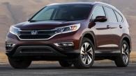 """เผยภาพหลุด """"2015 Honda CR-V """" ก่อนนำไปโชว์ในงานจริง ถือเป็นการเปิดตัวภาพครั้งสำคัญอย่างยิ่งสำหรัการเปิดตัวรถแบบ 2015 Honda CR-V ที่ล่าสุดเจ้ารถแบบ SUV คันนี้ได้ยืนยันความคืบหน้าเรียบร้อยแล้วในการผลิตก่อนจะไปเปิดตัวในงานอย่าง Paris auto show อีกครั้งหนึ่ง โดยจะเป็นการเปิดตัวในแนวคิดคอนเซปต์แบบ """"North American version"""" (โฉมอเมริกาเหนือก่อน) ซึ่งจะเน้นเอกลักษณ์ไปที่แถบสีส้มทางด้านหน้าและไฟหน้าที่ออกแบบใหม่โดยใช้ LED มาประดับทำให้สว่างชัดเจนมากขึ้น กันชนทั้งด้านหน้าและทางด้านหลังก็เป็นสิ่งที่ถูกออกแบบใหม่เช่นกันพร้อมกับการใช้วัสดุอย่างแถบโครเมี่ยมรอบคัน นอกจากนี้ยังติดกระจกแบบใหม่รอบคันแบบตัดแสงพร้อมกับล้อแม็กซ์แบบอัลลอยด์ใหม่ล่าสุด ซึ่งภาพถ่ายล่าสุดของรถแบบ CR-V รุ่นใหม่นั้นจะเห็นไฟท้ายแบบใหม่ด้วยที่มีการปรับเปลี่ยนรูปแบบเล็กน้อยให้ดูสวยงามยิ่งขึ้น..."""
