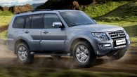"2015 Pajero SUV เตรียมเปิดตัวในรัสเซียในงาน Moscow Auto Show ค่ายรถชื่อดังจากประเทศญี่ปุ่นอย่าง Mitsubishi นั้นได้พร้อมลงลุยในงานอย่าง 2014 Moscow International Auto Show แล้วในการเปิดตัวรถแบบ ""Pajero SUV"" รุ่นใหม่ล่าสุดที่มีการปรับปรุงรายละเอียด สำหรับภายนอกนั้นพวกเขาจะใส่แถบโครเมี่ยมลงไปสองเส้นทางด้านข้างเพื่อเพิ่มความสวยงามและหรูหรามากกว่าเดิม, กระจังทางด้านหน้าที่ลดต่ำลงเพื่อรับกับกันชนทางด้านหน้า, ไฟหน้าและไฟตัดหมอกแบบใหม่ล่าสุดปิดท้ายด้วยไฟ Daytime ในตอนกลางวัน ในส่วนของทางด้านท้ายนั้นได้ใส่ไฟท้ายแบบใหม่ที่ทำมาจากพลาสติกหุ้มด้วยตัวโคเวอร์ทำให้มันสวยงามทางด้านหลังมากขึ้นปิดท้ายด้วยล้อแม็กซ์อัลลอยด์ขนาดใหญ่ที่สวยงามเข้ากับตัวรถได้เป็นอย่างดี และในประเทศรัสเซียนั้นรถแบบ 2015 Pajero จะนำเสนอพร้อมกับรถแบบ Shogun..."