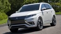 "Mitsubishi เปิดตัวภาพ ""Outlander PHEV Concept S"" ก่อนแสดงจริงในงานที่ Paris ล่าสุดแบรนด์ชื่อดังจากแดนปลาดิบอย่าง ""Mitsubishi"" นั้นได้เปิดตัวภาพทีเซอร์ของรถในรุ่น ""Outlander PHEV Concept S"" ออกมาแล้วให้ชมกันก่อนใคร ก่อนที่จะเปิดตัวในงานแสดงรถยนต์อย่าง Paris Auto Show อย่างเป็นทางการต่อไป โดยรถแบบใหม่นั้นจะเป็นการใช้พลังงานแบบ ""plug-in hybrid"" พลังงานสะอาด โดยเจ้ารถแบบ SUV รุ่นนี้นั้นจะเป็นการออกแบบพิเศษที่มีชื่อเรียกว่า ""Outlander PHEV""..."