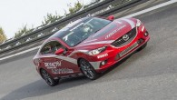 Mazda6 Diesel ทดสอบเวลาครั้งสุดท้ายกว่า 24 ชั่วโมงรวด ภายใต้ความเร็วเฉลี่ย 221 กิโลเมตร/ชั่วโมง ในขณะที่รถแบบ Mazda6 diesel (ดีเซล) ใกล้จะเปิดตัวแล้วนั้น ช่วงนี้พวกเขาก็อยู่ในขั้นตอนของการพัฒนาในขั้นตอนสุดท้ายอยู่และเริ่มต้นที่จะทำการทดสอบการวิ่งในสนามแล้ว โดย Mazda ยืนยันแล้วว่ารถพลังงานดีเซลคันนี้นั้นได้ทำการทดสอบในสนามของ Papenburg ประเทศเยอรมันภายใต้การทดสอบต่อเนื่องในระยะเวลากว่า 24 ชั่วโมงเพื่อบันทึกสถิติแบบเป็นทางการของทาง FIA สำหรับเจ้ารถแบบใหม่นี้จะใช้เครื่องยนต์ขนาด 2.2 ลิตรแบบ SkyActiv-D แบบพลังงานดีเซลสะอาด ซึ่งให้กำลังทั้งสิ้น 175 PS...