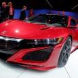 "Acura เปิดตัวรถสปอร์ต NSX รุ่นใหม่เริ่มต้นที่ $ 155,000 นับเป็นระยะเวลายาวนานกว่า 25 ปีแล้วที่แบรนด์รถอย่าง Acura นั้นได้ส่งเจ้า NSX Supercar เข้ามาในตลาดโลกจนกลายเป็นสัญลักษณ์ของแบรนด์ไปแล้ว และล่าสุดนั้นในงานอย่าง 2015 North American International Auto Show พวกเขาก็กลับมาอีกครั้งในรถสีแดงสด สำหรับในเวอร์ชั่นใหม่นี้รถแบบ ""Acura NSX"" จะเป็นรถสปอร์ตขนาดกลางที่ใช้พลังงานแบบhybrid โดยใช้กำลังจากเครื่องยนต์แบบ twin-turbocharged (เทอร์โบคู่) แบบ..."