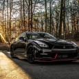 """เปิดตัวภาพ Nissan GT-R NISMO โฉมใหม่สุดสวยผ่านสื่อแบบ HD หากคุณเป็นคนหนึ่งที่รักวงการรถสปอร์ตนั้นจะต้องชื่นชอบรถแบบ """"Nissan GT-R"""" อย่างแน่นอนเนื่องจากมีพละกำลังขับเคลื่อนพอๆกับรถสปอร์ตแบรนด์ยักษ์ใหญ่และราคาไม่แพงสามารถจับต้องได้ The GT-R NISMO รุ่นใหม่ล่าสุดนั้นได้เพิ่มระดับความโหดสปอร์ตเข้าไปอีกขั้นด้วยเครื่องยนต์แบบ twin turbo V6 ขนาดกำลัง 600 แรงม้า ซึ่งมันสามารถทำความเร่งจาก 0-62 ไมล์/ชั่วโมงได้ภายใน 2.7 วินาทีเท่านั้นในระดับเดียวกับรถ hypercar อื่นๆ ชุดแต่งแบบ NISMO pack..."""