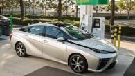 "Toyota จับมือ Mazda ร่วมพัฒนาเทคโนโลยีพลังงานทางเลือก แบรนด์รถชื่อดังจากประเทศญี่ปุ่นอย่าง Toyota และ Mazda นั้นมีรายงานว่าพวกเขากำลังแชร์เทคโนโลยีใหม่ให้กันในการจับมือเป็นพันธมิตรตามรายงานของสื่ออย่าง Reuters โดยทาง Toyota จะนำเทคโนโลยีอย่าง fuel cell ไปใช้ส่วนทาง plug-in hybrid technology นั้นจะไปใช้ในรถของ Mazda การพัฒนาขึ้นนี้จะมีที่สำนักงานใหญ่ในเมืองอย่าง Hiroshima โดยทาง Toyota จะพัฒนาเทคโนโลยีแบบ ""Skyactiv series"" มาใส่ในรถทั้งพลังงานเบนซินและดีเซล ส่วนทาง […]"