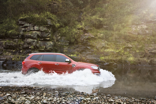 New Ford Everest-Water