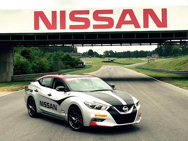 """เปิดตัวรถเซฟตี้คาร์ใหม่แบบ """"2016 Nissan Maxima"""" ในหลากหลาย ..."""