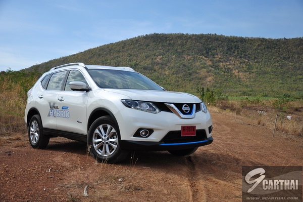 review-Nissan-X-Trail-Hybrid_Exterior_42