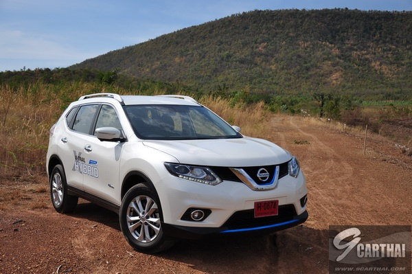 review-Nissan-X-Trail-Hybrid_Exterior_44