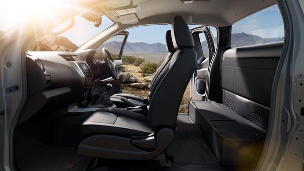 Nissan Frontier NP300 Navara Calibre X-Cab คว้ารางวัลจาก J ...