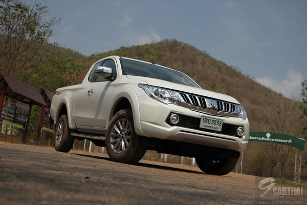 2016-Mitsubishi-Triton-MegaCab-Plus-GLS-ltd-AT_046