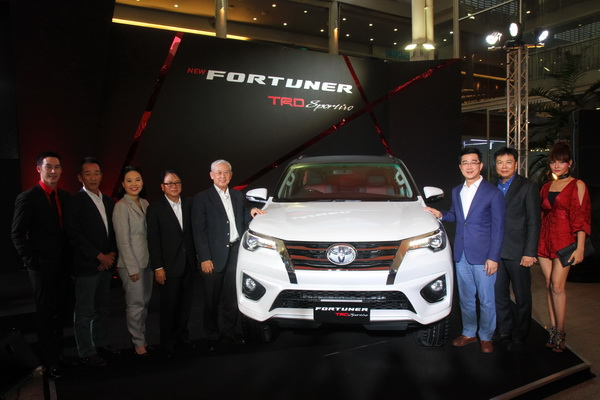 Toyota-Fortuner-TRD-Sportivo_19
