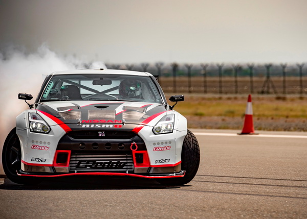 GT-R breaks word record of drifting_01_resize