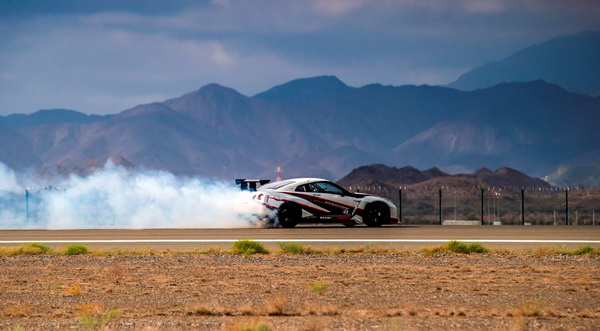 GT-R breaks word record of drifting_04_resize