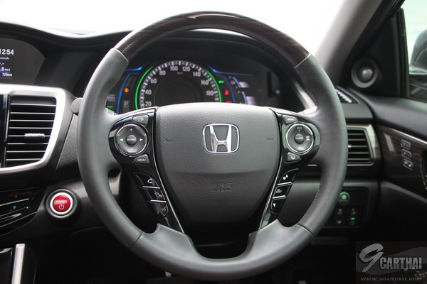 2016-Honda-Accord-Hybrid-TECH-Reivew_75