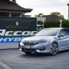 2016-Honda-Accord-Hybrid-TECH_9