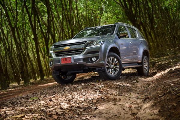 2017-Chevrolet-Trailblazer_07