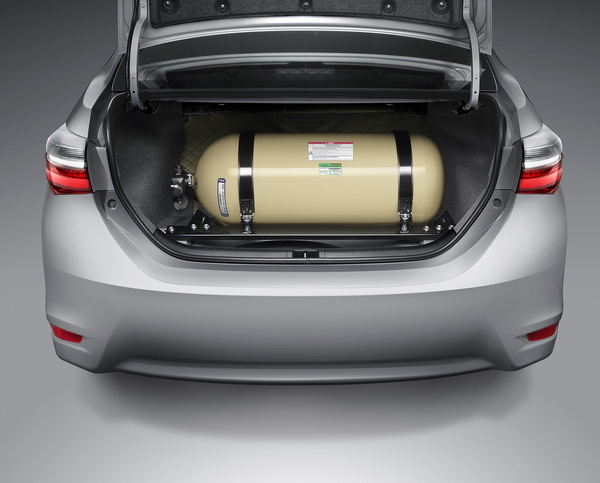 2017-Toyota-Altis_1