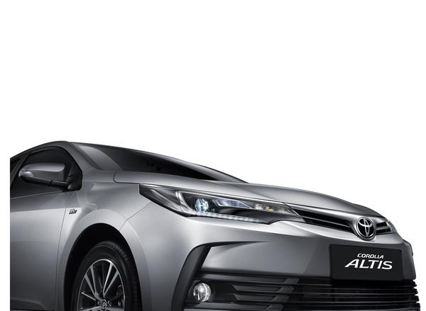 2017-Toyota-Altis_6