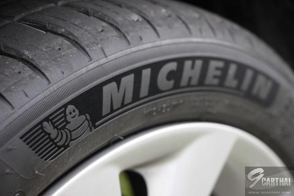 Michelin-Pilot-Sport-4_01_resize