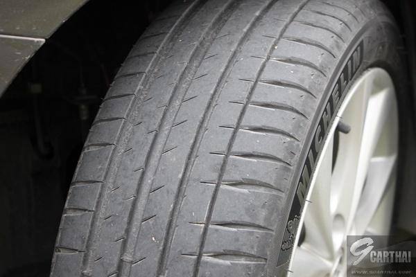 Michelin-Pilot-Sport-4_07_resize