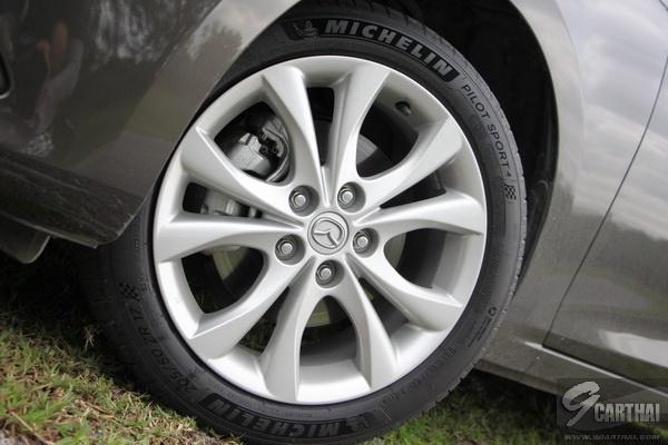 Michelin-Pilot-Sport-4_08_resize