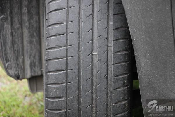 Michelin-Pilot-Sport-4_09_resize