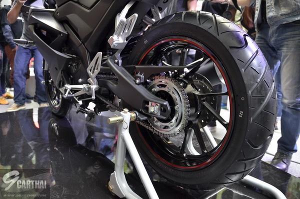 2017-Yamaha-YZF-R15-9carthai_10