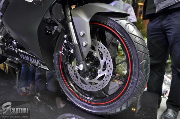 2017-Yamaha-YZF-R15-9carthai_14