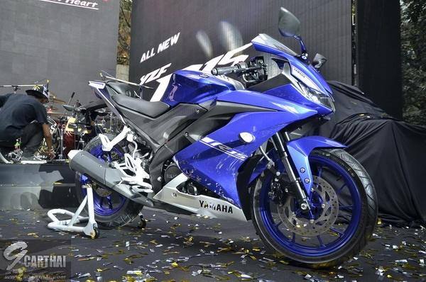 2017-Yamaha-YZF-R15-9carthai_26