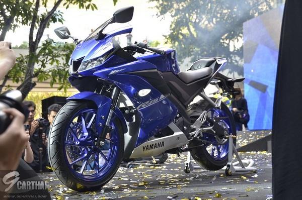 2017-Yamaha-YZF-R15-9carthai_33