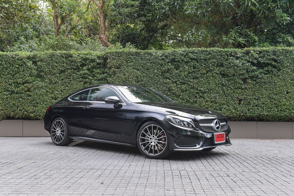 Mercedes-Benz-C250 Coupe AMG Dynamic_Black_01