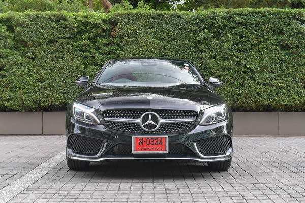 Mercedes-Benz-C250 Coupe AMG Dynamic_Black_02