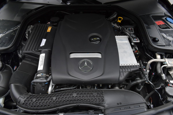Mercedes-Benz-C250 Coupe AMG Dynamic_Black_08