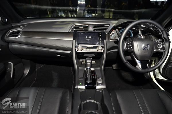 2017-Honda-Civic-HB_21