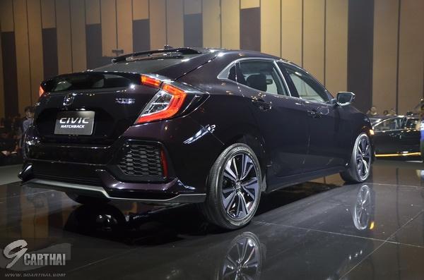 2017-Honda-Civic-HB_34