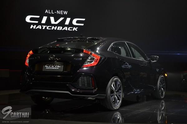 2017-Honda-Civic-HB_49