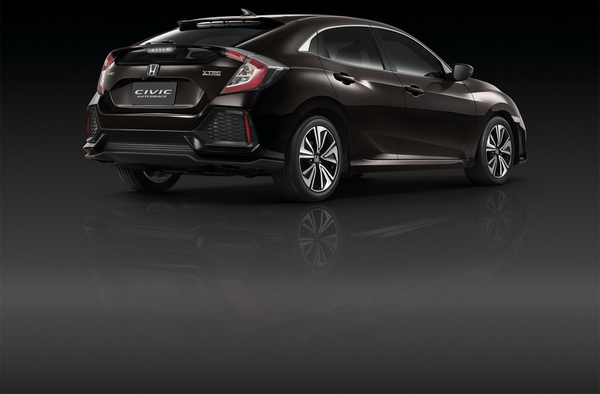 Civic Hatchback (Side 6)_resize