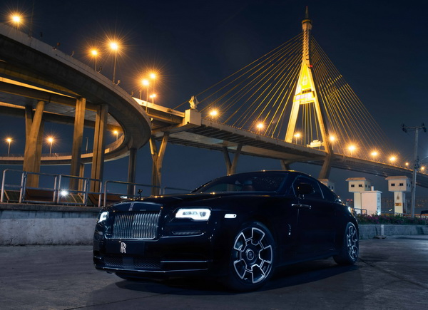 Rolls-Royce Black Badge_resize