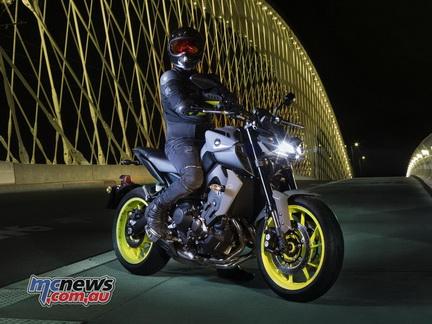 Yamaha Mt 09 2017 Quot จัดจ้าน ดุดัน สมรรถนะเร้าใจ Quot รถใหม่