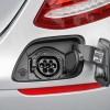 2017-Mercedes-Benz-E350e_21