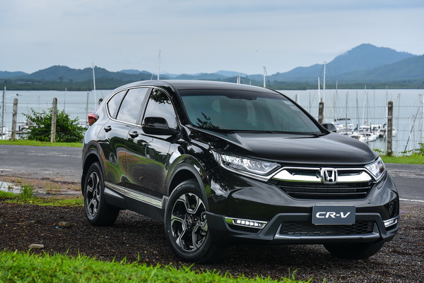 2017-Honda-CR-V-GroupTest_14