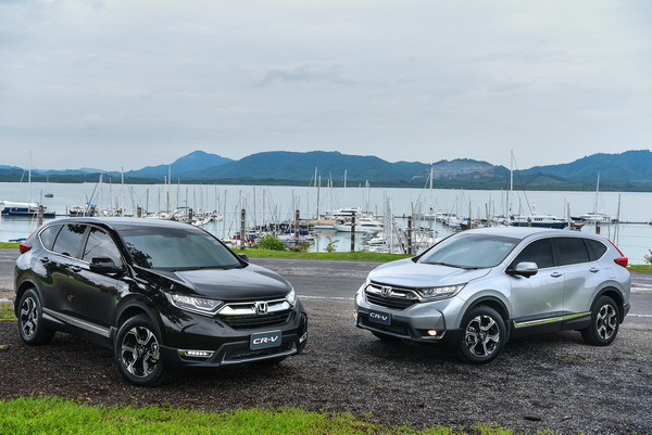 2017-Honda-CR-V-GroupTest_16