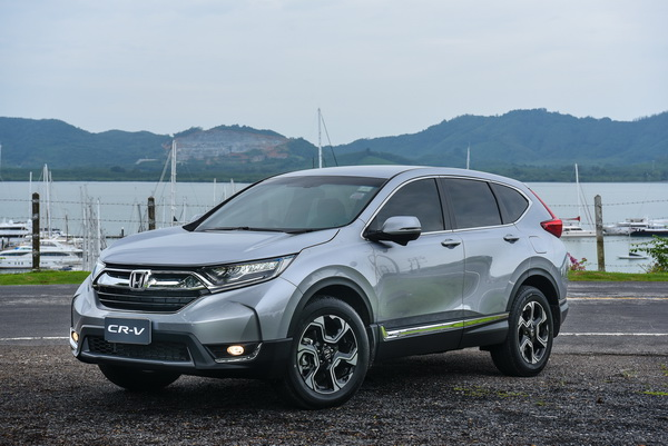 2017-Honda-CR-V-GroupTest_17
