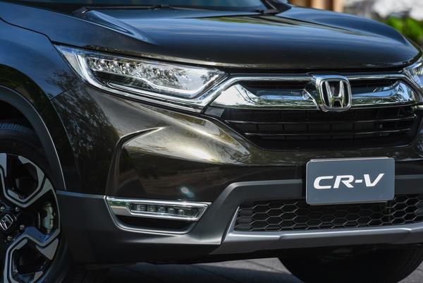 2017-Honda-CR-V-idtec-Exterior_13