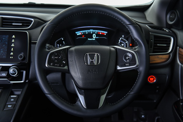 2017-Honda-CR-V-idtec-Interior_05