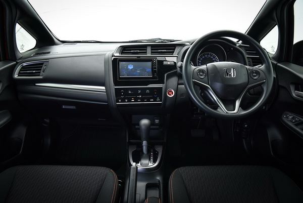 2017-Honda-Jazz-RS+-Interior_16