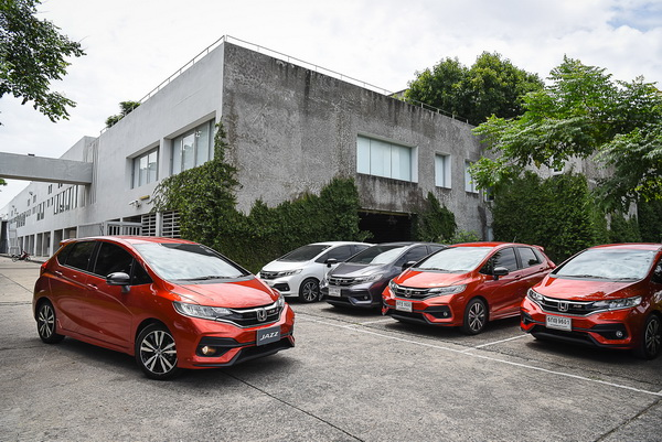 2017-Honda-Jazz-RS+_05